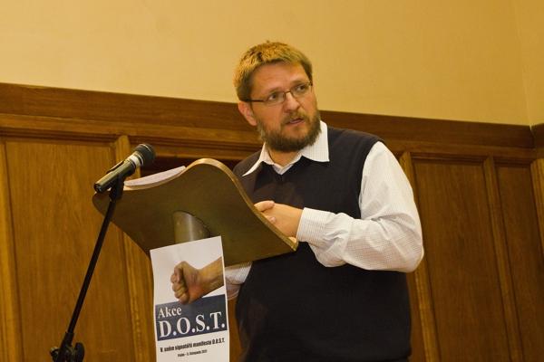Pevné hodnoty, mnohohlas konzervativních sil avýrazný lídr představují naději na obnovu české politiky – Prohlášení Akce D.O.S.T. kchystané integraci konzervativní pravice