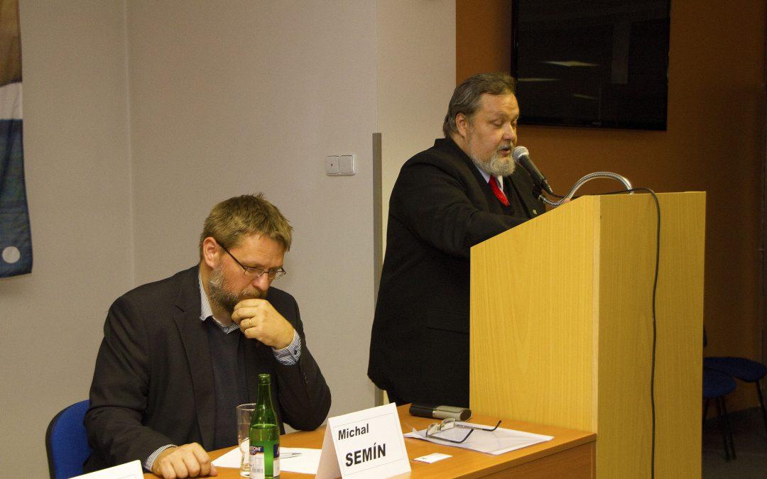 Předsedou Akce D.O.S.T. byl zvolen Petr Bahník
