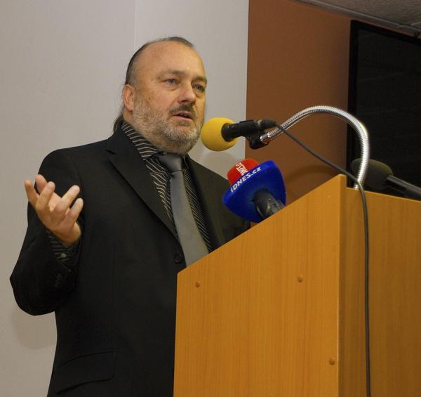 Zlatá bula sicilská a idea české státnosti – Slovo Akce D.O.S T. k významnému výročí národních dějin