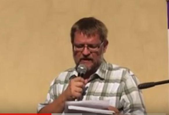 Michal Semín na demonstraci proti politice Angely Merkelové – Praha 25. 8. 2016