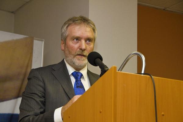 Akce D.O.S.T. podporuje 13 kandidátů do Senátu – Praha 2.10. 2012